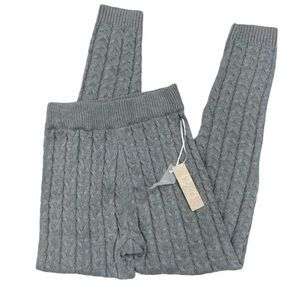 Iris gray NWT cable knit stretch pants. Size Small